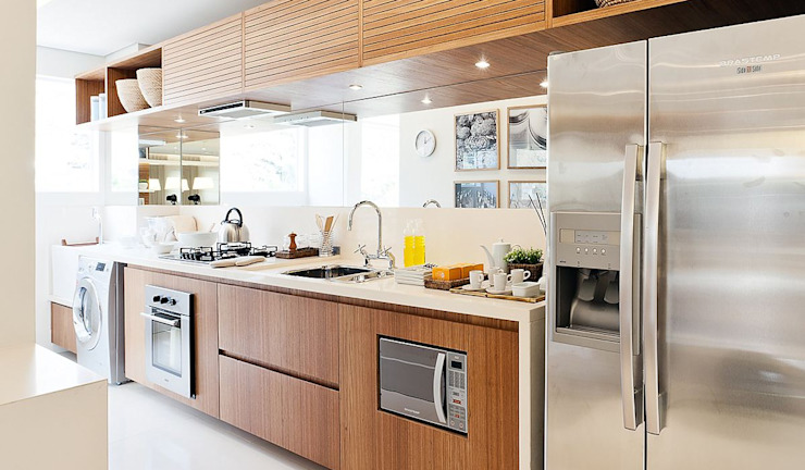 SESSO & DALANEZI Modern style kitchen