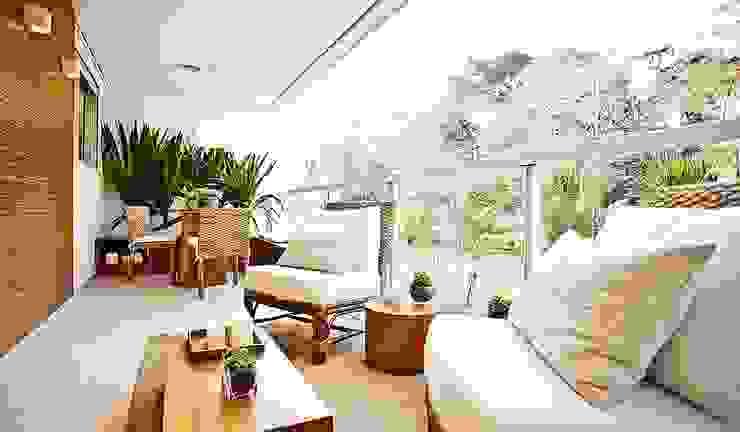 Balcon, Veranda & Terrasse modernes par SESSO & DALANEZI Moderne