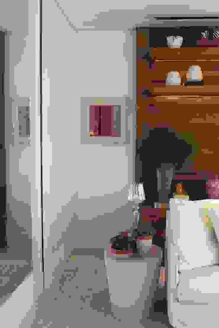 Detalhe living Apartamento São Paulo por Vaiano e Rossetto Arquitetura e Interiores Moderno