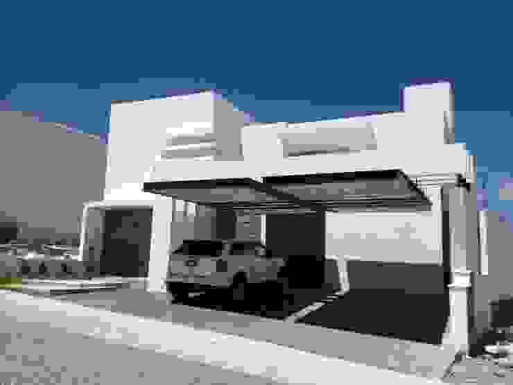 Fachada Casas estilo moderno: ideas, arquitectura e imágenes de SANTIAGO PARDO ARQUITECTO Moderno
