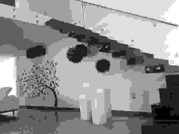 San Lorenzo Pasillos, vestíbulos y escaleras modernos de SANTIAGO PARDO ARQUITECTO Moderno