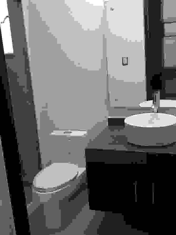 Baño Baños modernos de SANTIAGO PARDO ARQUITECTO Moderno