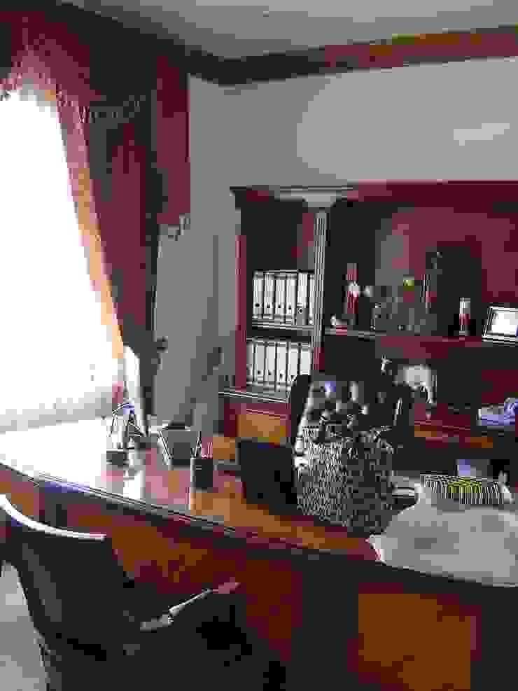Phòng học/văn phòng phong cách kinh điển bởi SANTIAGO PARDO ARQUITECTO Kinh điển