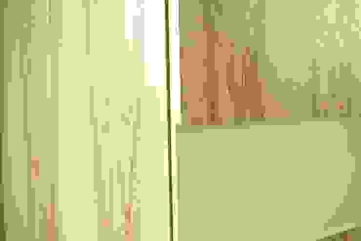 Мебельная мастерская Александра Воробьева 更衣室衣櫥與櫥櫃 MDF