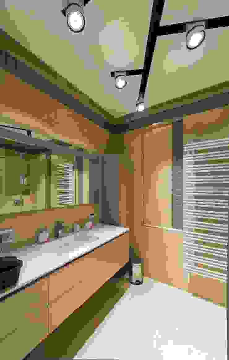Sky Gallery Minimalist style bathroom