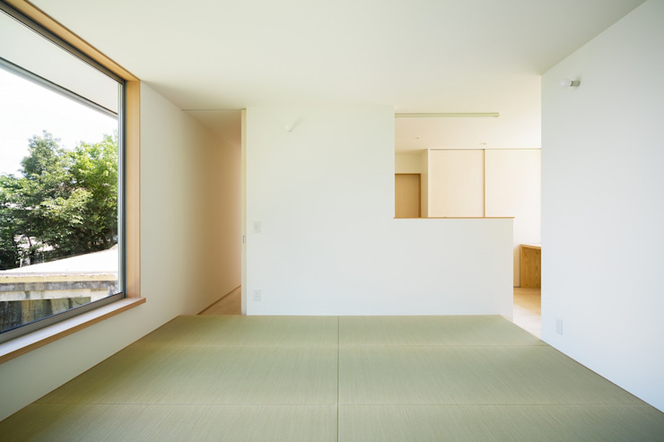 by 市原忍建築設計事務所 / Shinobu Ichihara Architects Scandinavian Natural Fibre Beige