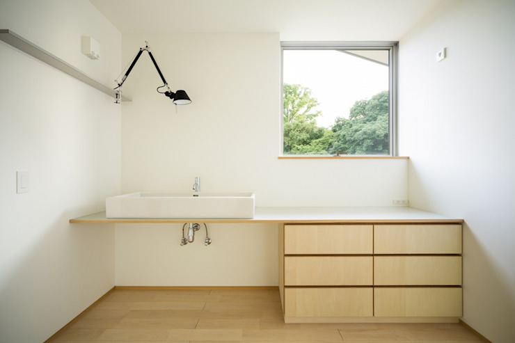市原忍建築設計事務所 / Shinobu Ichihara Architects Scandinavian style bathrooms Wood Wood effect