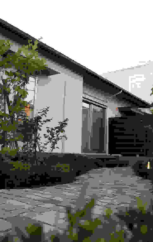 美しが丘西の家 オリジナルな 庭 の (有)伊藤道代建築設計事務所 オリジナル