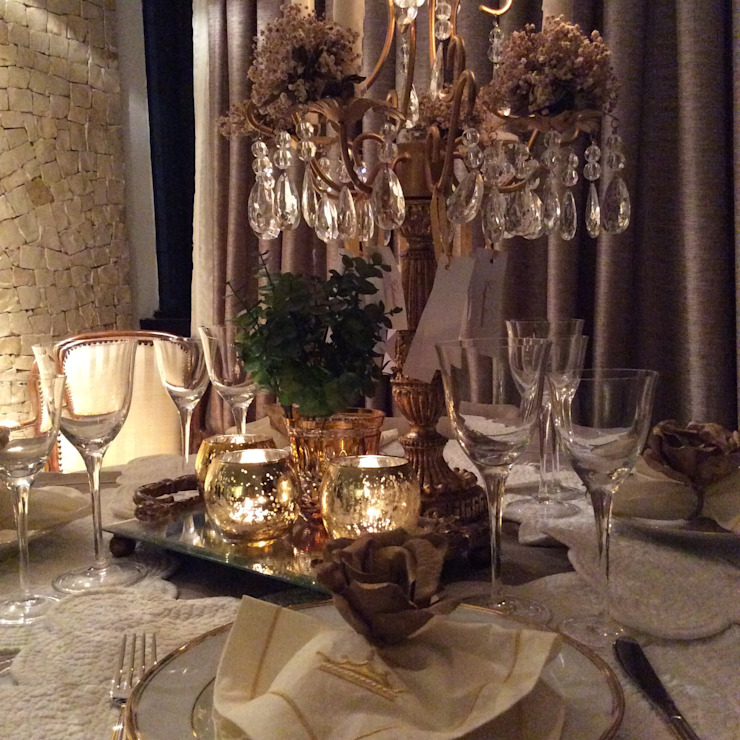 Mesa posta por Millennium Móveis e Objetos Moderno Têxtil Ambar/dourado