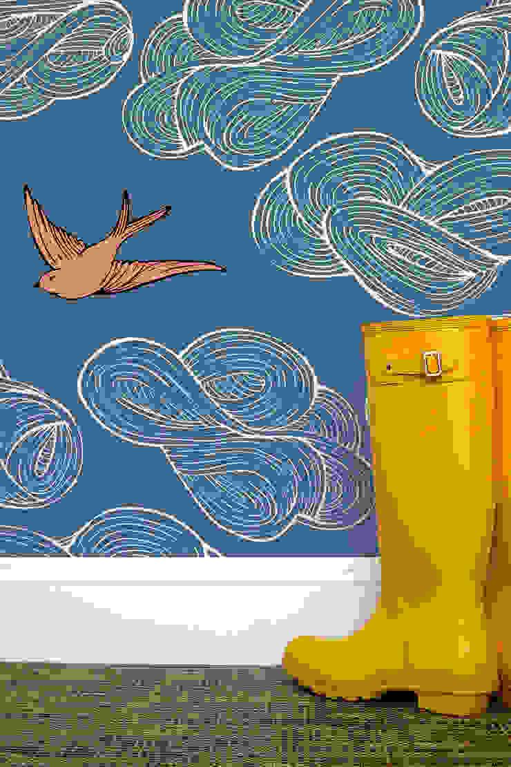 Daydream Wallpaper - Blue od Monument Interiors Eklektyczny Papier