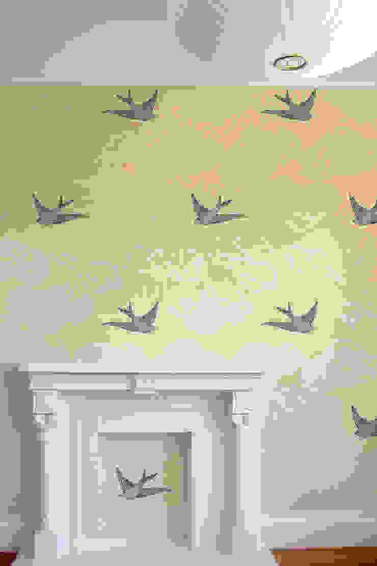 Daydream Wallpaper - Yellow od Monument Interiors Eklektyczny Papier