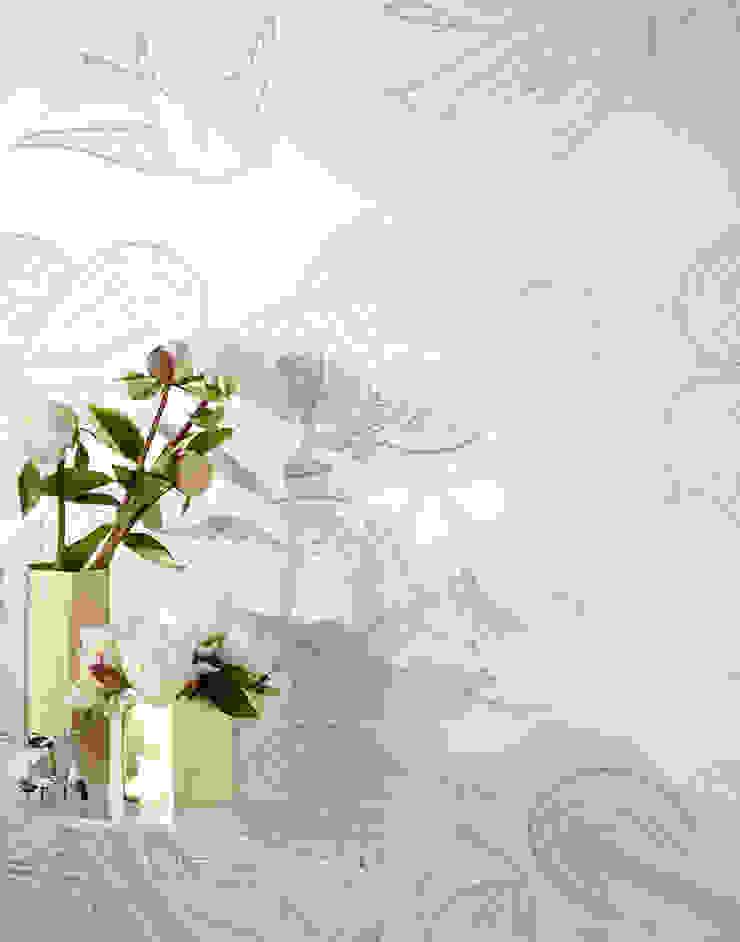 Daydream Wallpaper - Pearl od Monument Interiors Eklektyczny Papier