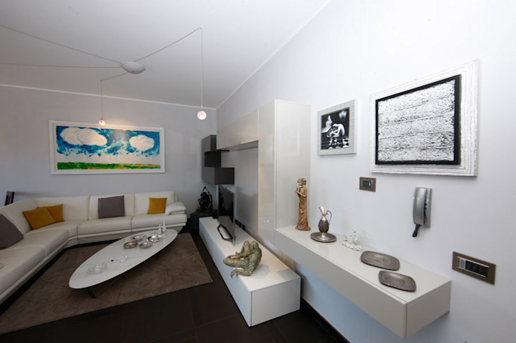 现代客厅設計點子、靈感 & 圖片 根據 RGROOM 現代風