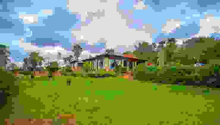 Jardines de estilo  por Lola, Rural Piedra