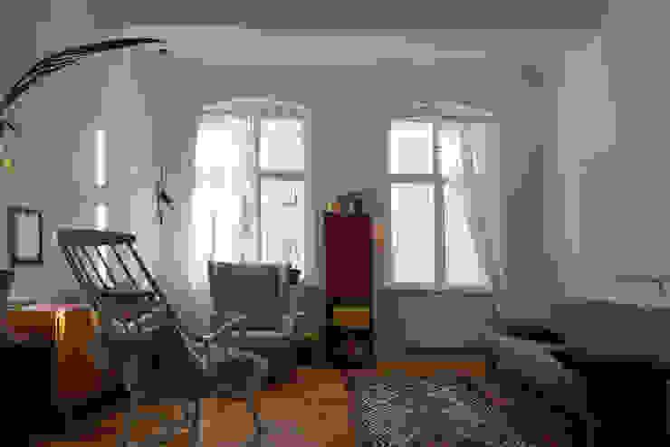 Wohnzimmer Mid Century Style von Susanne Stauch