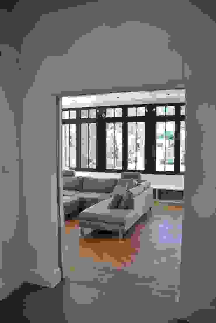 Ruang Keluarga Klasik Oleh Architektenburo J.J. van Vliet bv Klasik