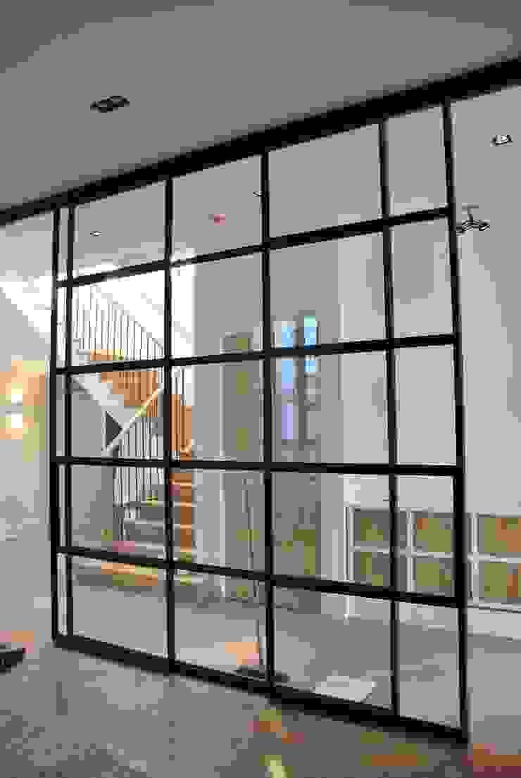 Modern style study/office by Architektenburo J.J. van Vliet bv Modern