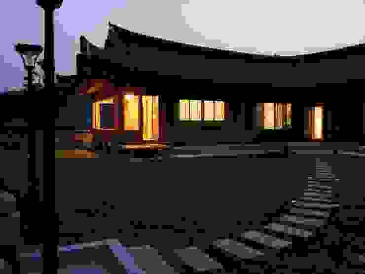Aziatische huizen van 금송건축 Aziatisch