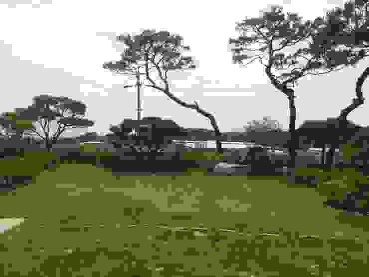 장흥리 한옥마을 내 주택 아시아스타일 정원 by 금송건축 한옥