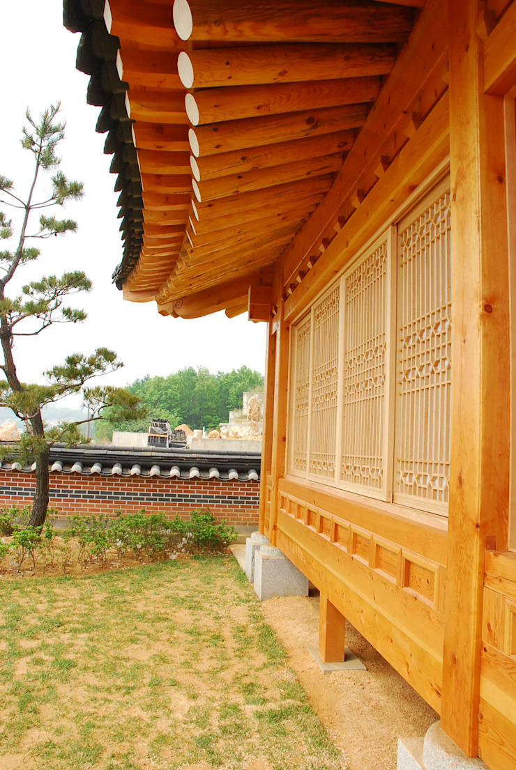 장흥리 한옥마을 내 주택 아시아스타일 창문 & 문 by 금송건축 한옥