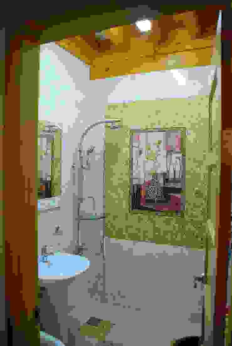 장흥리 한옥마을 내 주택 아시아스타일 욕실 by 금송건축 한옥