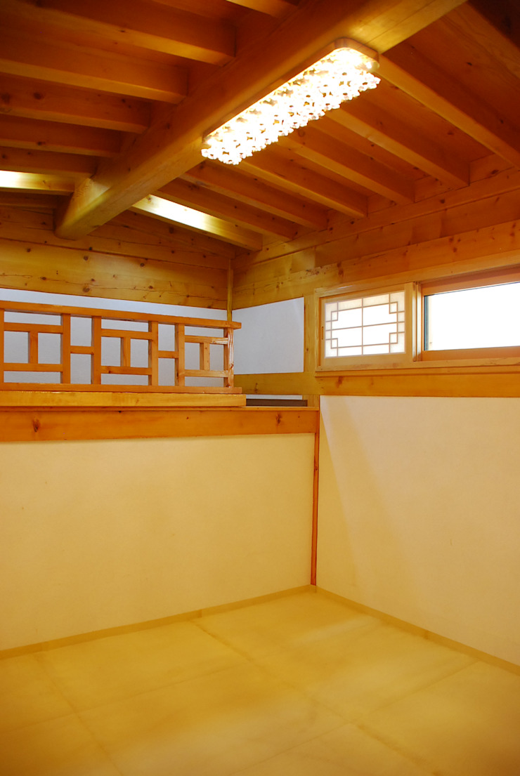 장흥리 한옥마을 내 주택 아시아스타일 침실 by 금송건축 한옥