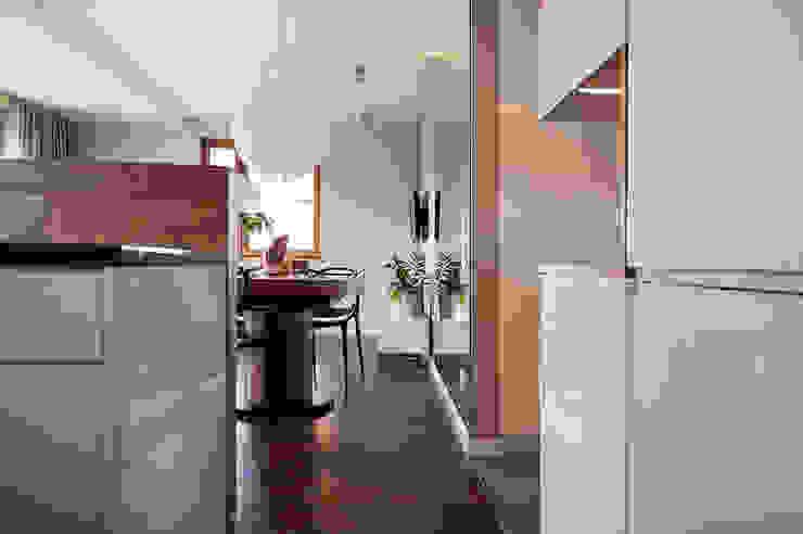 Finchstudio Modern kitchen