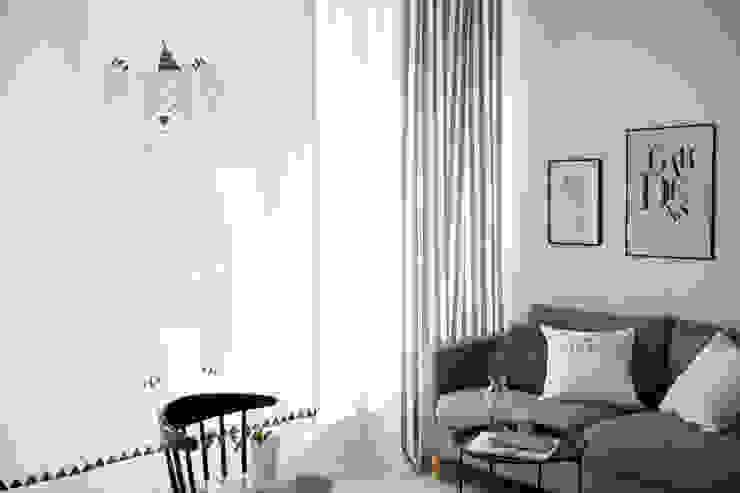 de estilo  por (주)데코뷰, Escandinavo Textil Ámbar/Dorado