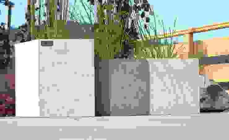 Donice betonowe - białe lub szare Nowoczesny ogród od Bettoni Nowoczesny