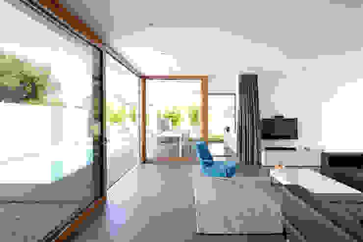 Anbau mit Aussenanlage Moderne Wohnzimmer von K3- Planungsstudio Modern