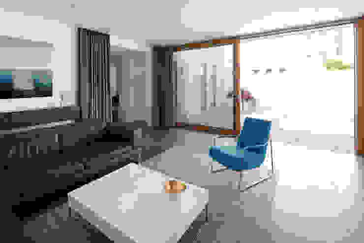 Salones de estilo moderno de K3- Planungsstudio Moderno