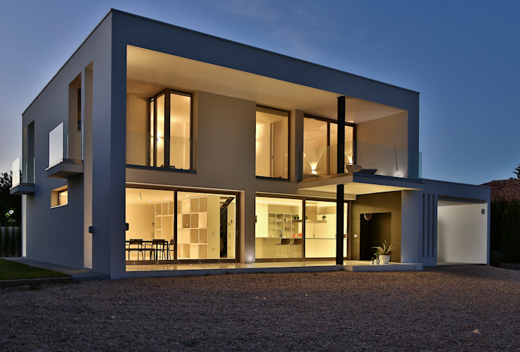 homify Detached home Concrete White
