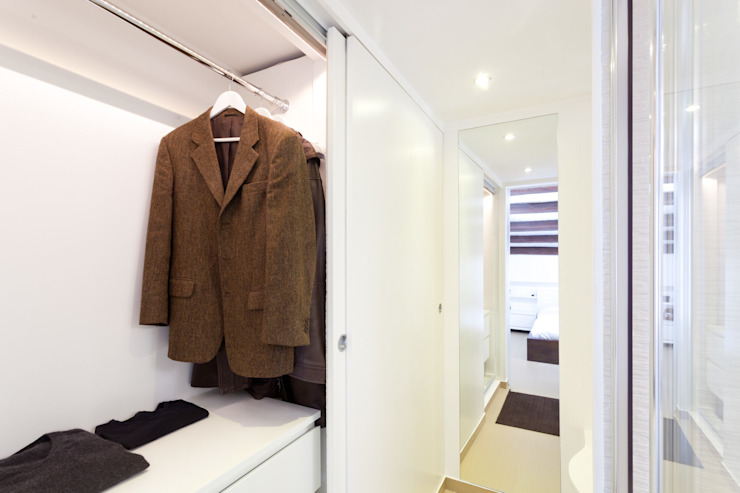 Modern dressing room by Giovanni Costagliola Archifotografia Modern