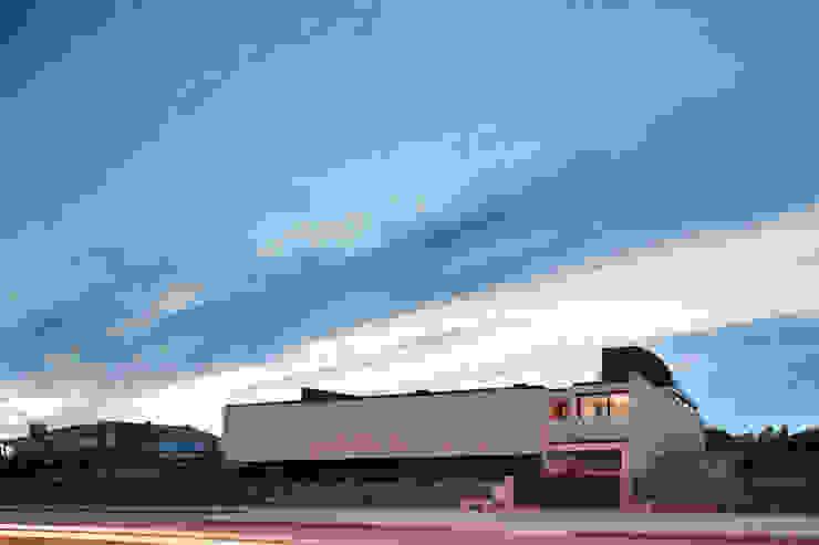 Casa das Dunas Casas modernas por arquitectura e design Moderno