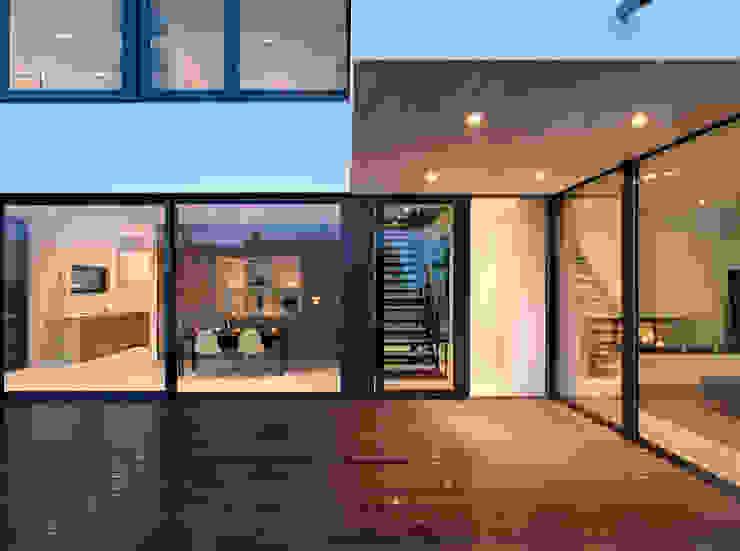 Balcones y terrazas de estilo moderno de LEICHT Küchen AG Moderno