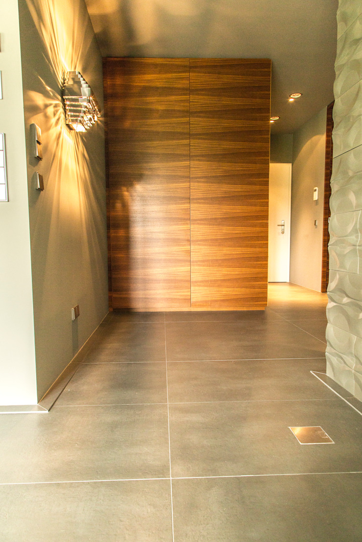 Living the life – Apartment im Herzen Berlins Moderner Flur, Diele & Treppenhaus von Conni Kotte Interior Modern