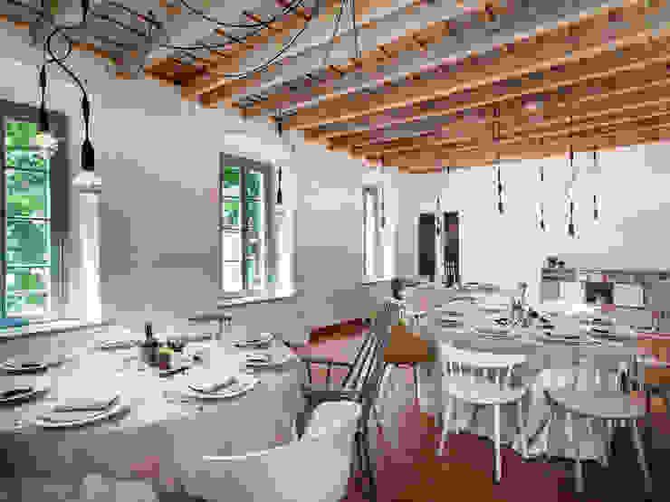 Sala ristorante al primo piano. Gastronomia in stile moderno di homify Moderno