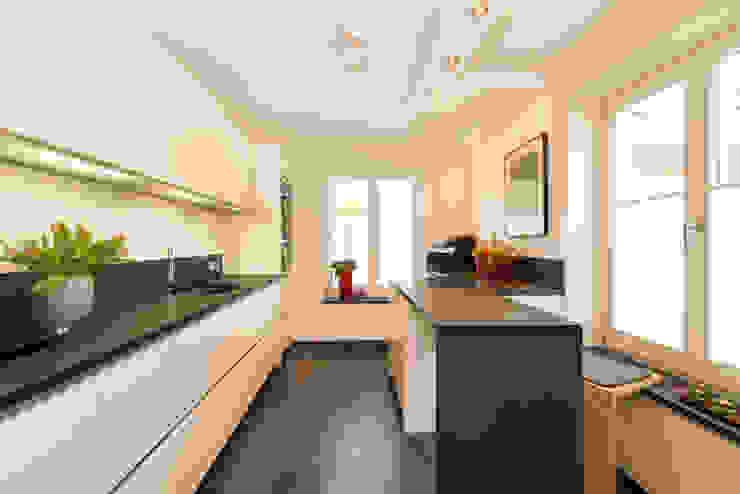 Küche Moderne Küchen von archiall2 Modern