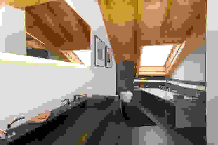 Salle de bain moderne par archiall2 Moderne