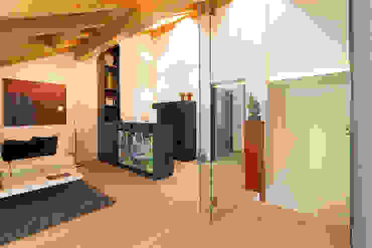 Medienraum / Arbeitsbereich Moderner Multimedia-Raum von archiall2 Modern
