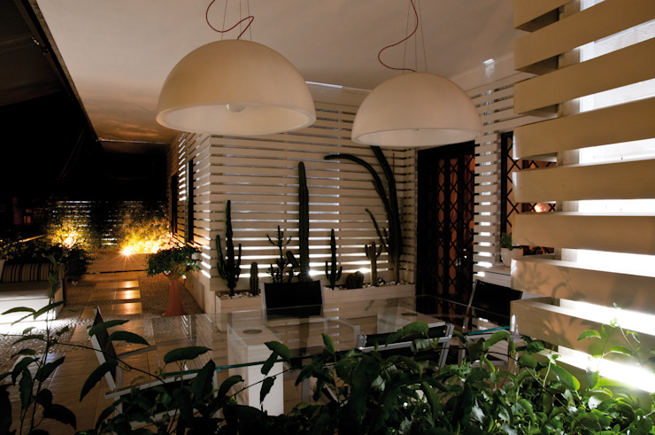 vista generale 3 Balcone, Veranda & Terrazza in stile moderno di Fabio Valente Studio di architettura e urbanistica Moderno