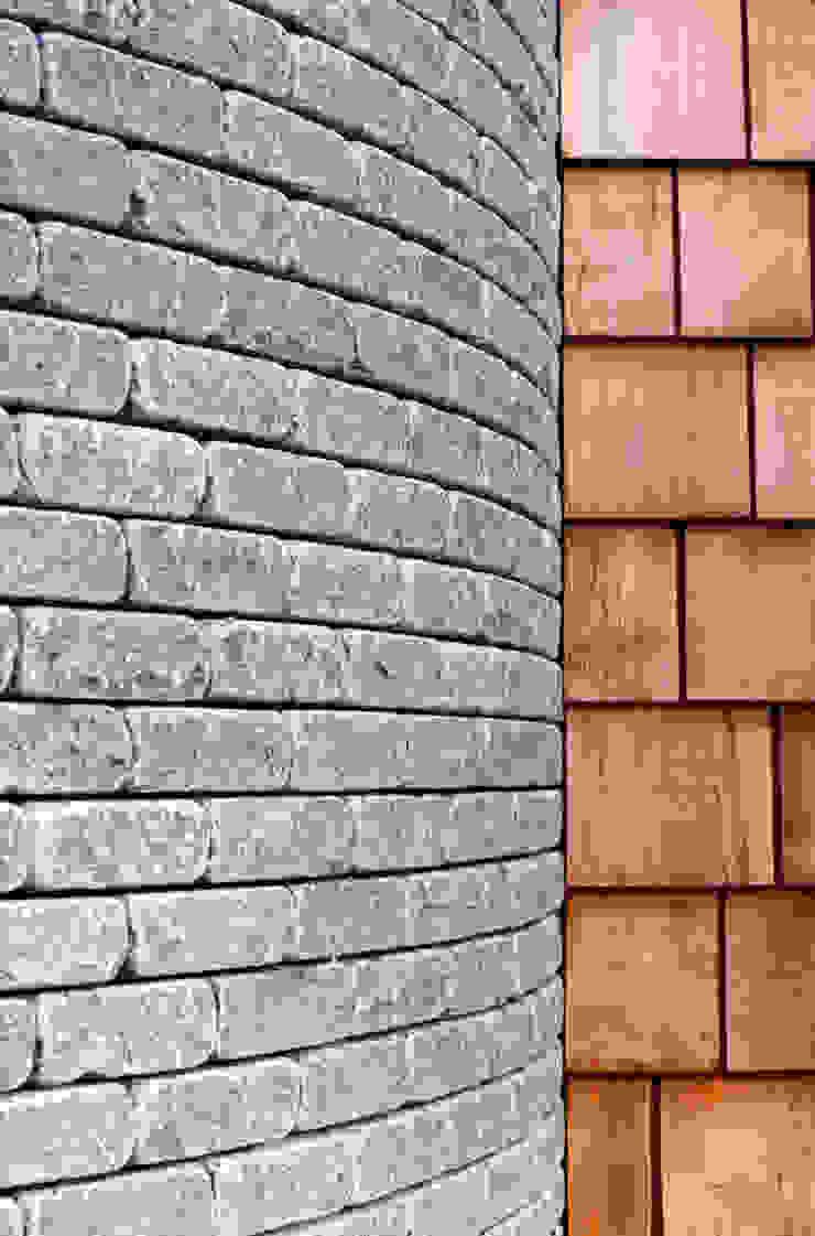 Les Bardeaux Paredes e pisos modernos por JAMIE FALLA ARCHITECTURE Moderno