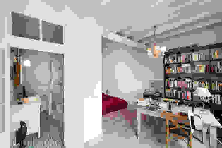 Reforma Integral de un ático en Barcelona de MU Estudio Arquitectura Mediterráneo