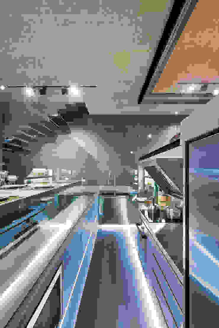 Millimeter Interior Design Limited Modern kitchen