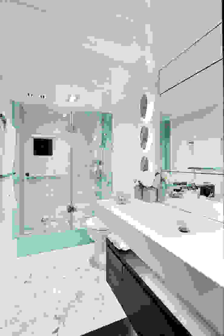 Bathroom 1 Modern yachts & jets by Kelly Hoppen Modern
