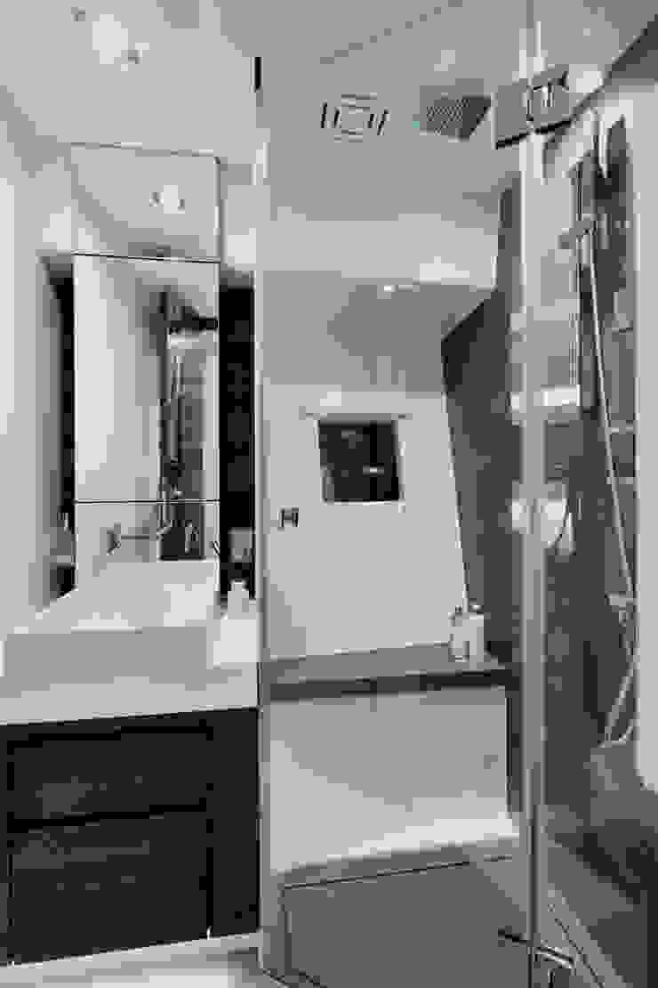 Bathroom 2 Modern yachts & jets by Kelly Hoppen Modern
