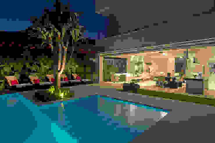 Modern home by Jóia Bergamo - Arquitetura e Design de Interiores Modern