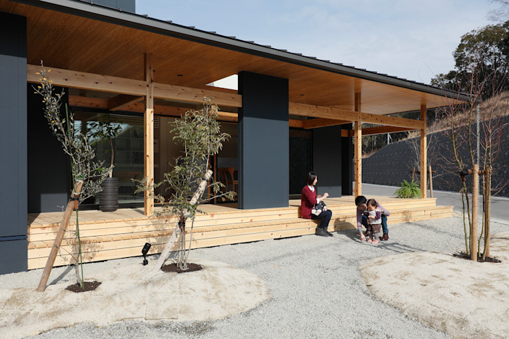 Agui House の ALTS DESIGN OFFICE