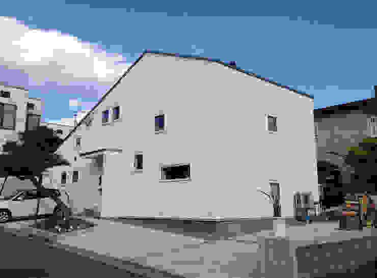 神子島肇建築設計事務所 Casas estilo moderno: ideas, arquitectura e imágenes