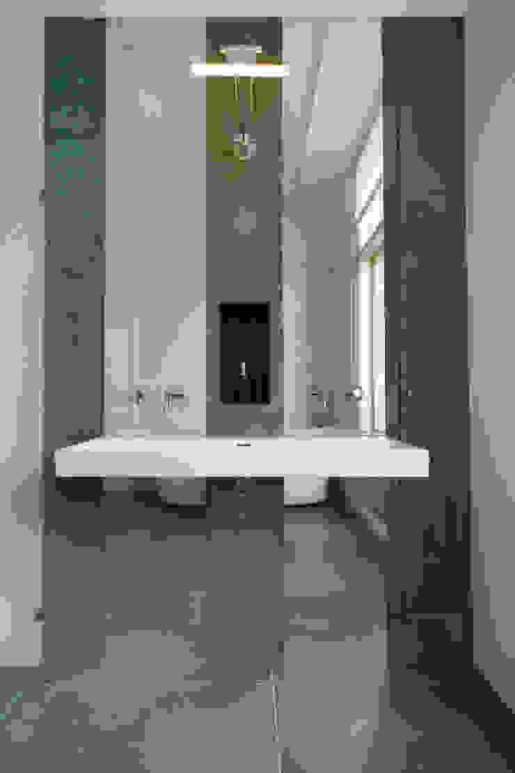 Stadsvilla Den Haag Moderne badkamers van IJzersterk interieurontwerp Modern